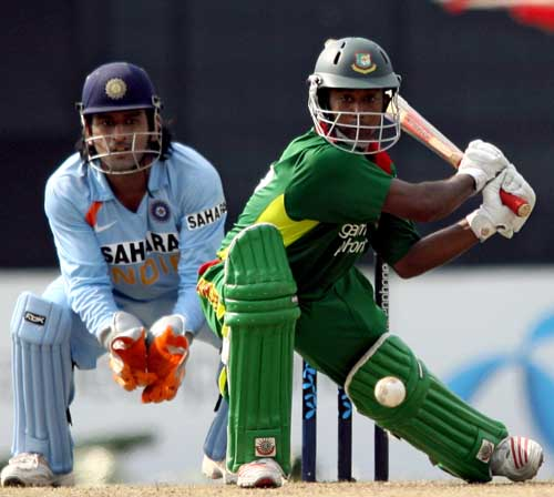 Aftab Ahmed scores a rapid fire 41 ball 40 against India in the second ODI