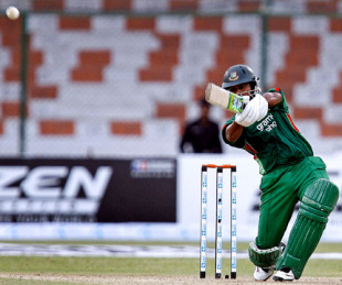 Alok Kapali n\on the way to a 97-ball 115 against India, Asia Cup 2008