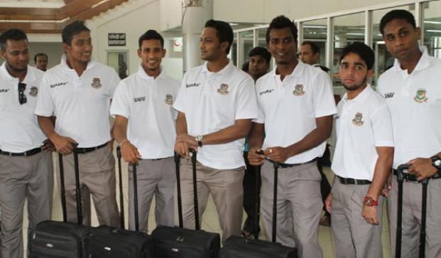 The national team on the way to Zimbabwe
